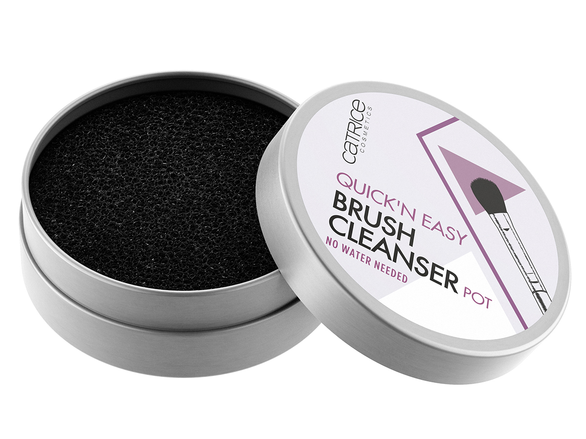 4059729191885_Catrice-Quick-N-Easy-Brush-Cleanser-Pot-010-Its-Magic_Front-View-Half-Open